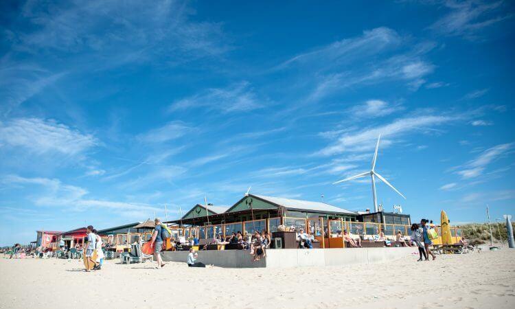 Beach club Timboektoe in Wijk aan Zee